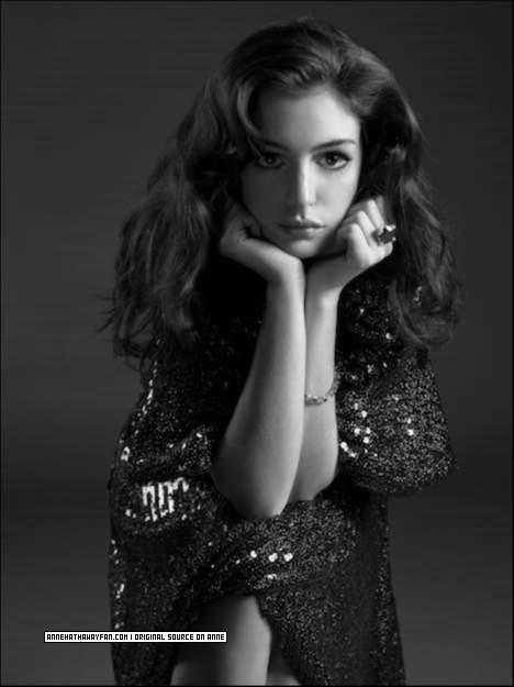 Anne Hathaway - celebforum - Bilder Videos Wallpaper
