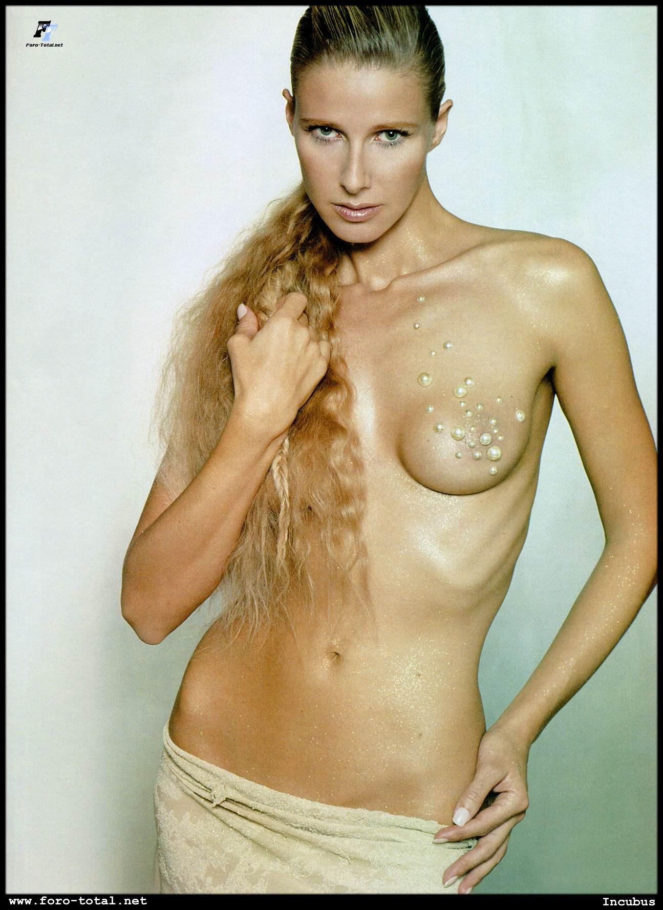 Fotos desnudas de Anne