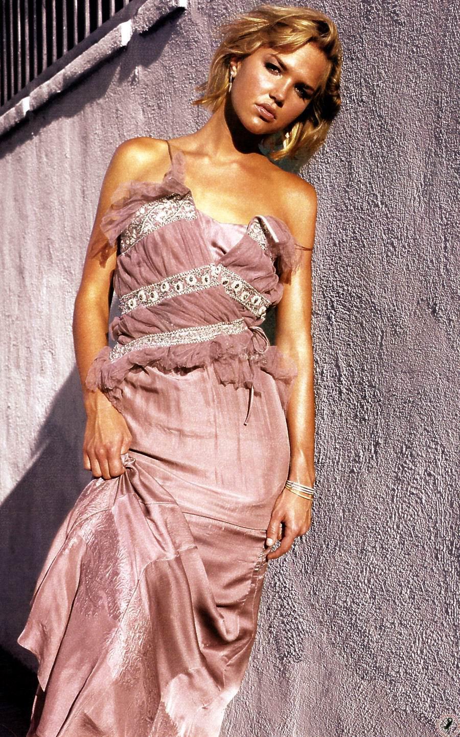 Arielle kebbel peliculas desnudas