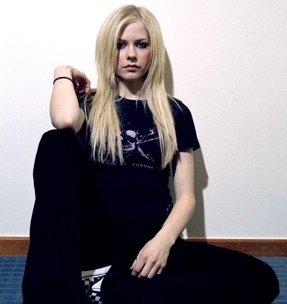 Avril Lavigne Desnuda Famosa xxx Fotos - famosas-desnudas
