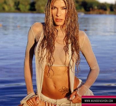 Fotos de Catherine Fulop desnuda, tetas, pezon, culo,