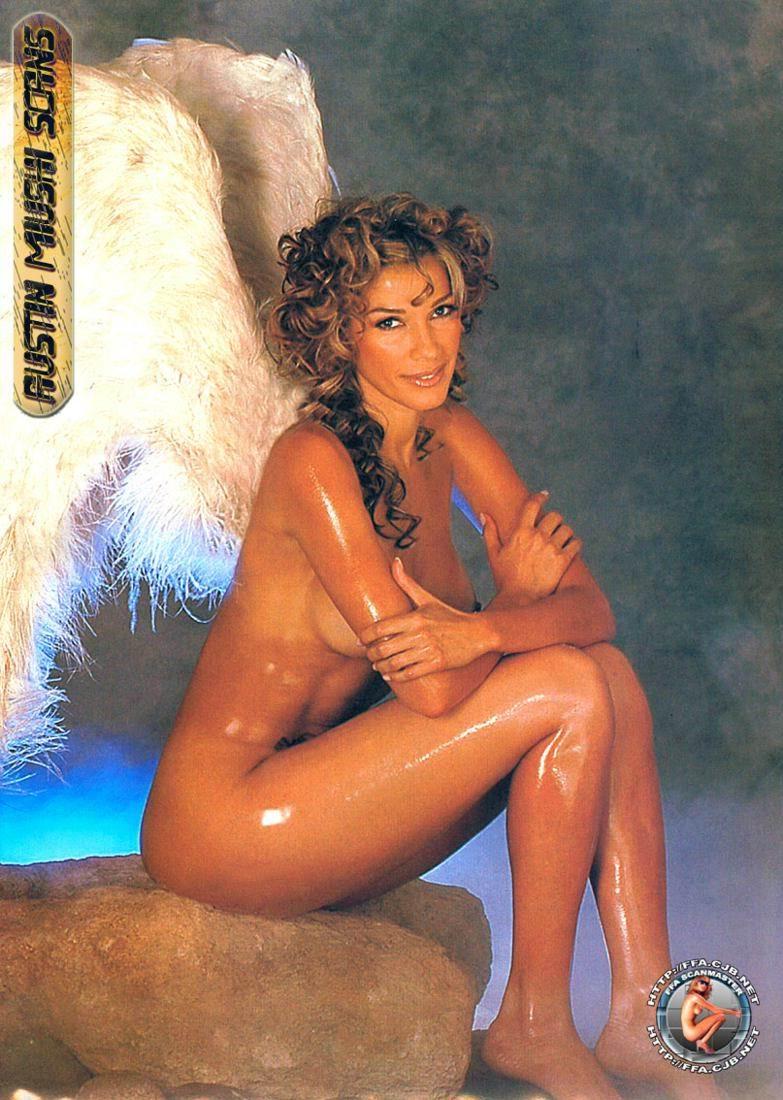 Catherine Fulop Desnuda Porn Videos: -