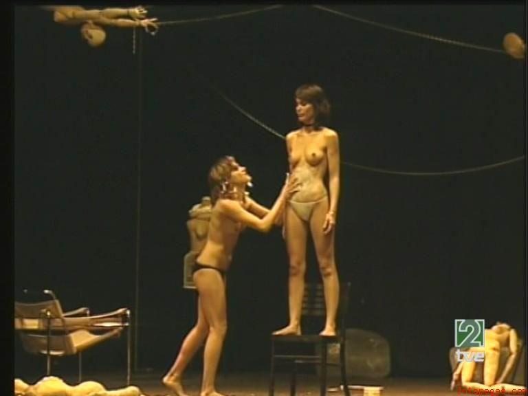 Голые актрисы на сцене театра  Каталог эротического видео