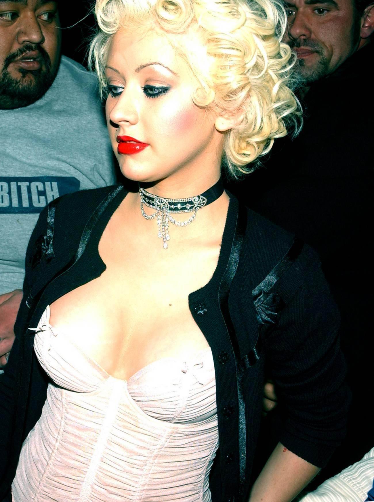 Christina Aguilera celebra el verano con un sexy bikini