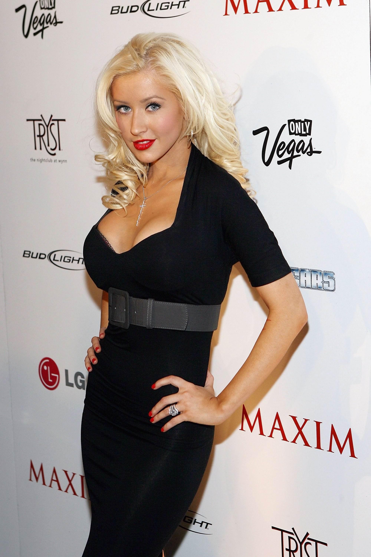 Christina Aguilera posa desnuda para V Magazine
