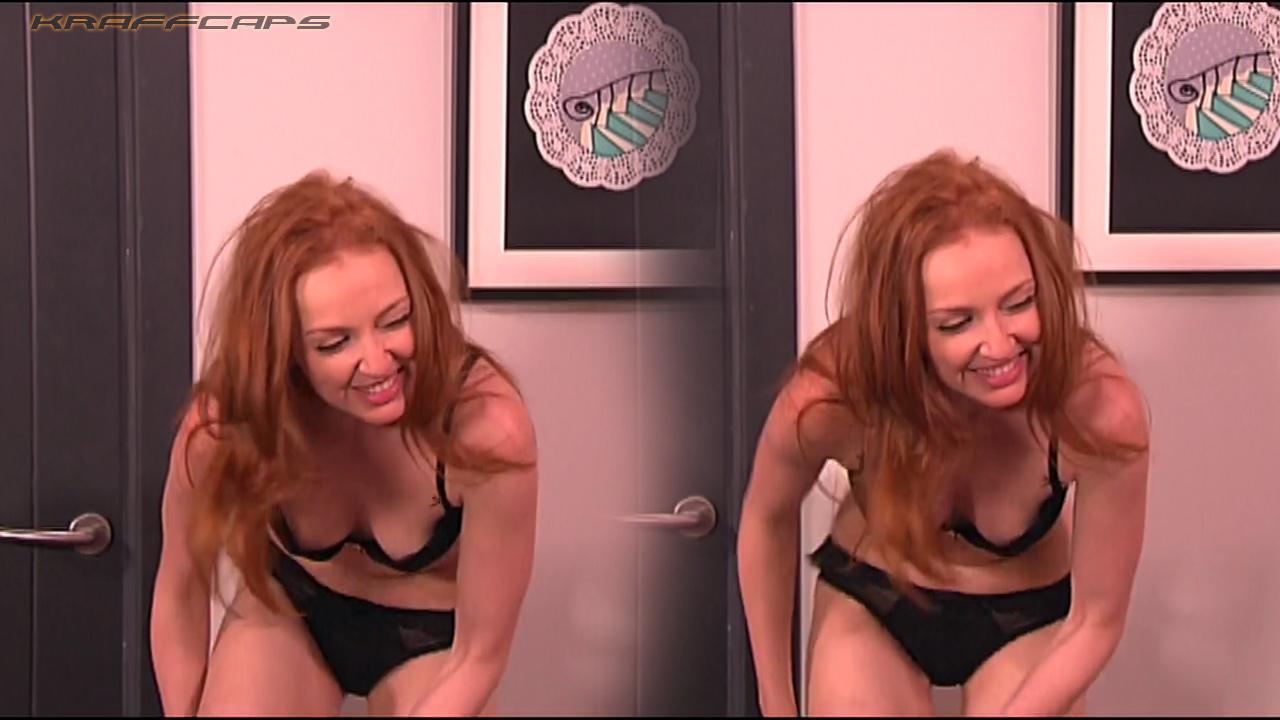 Cristina se presenta desnuda desnuda
