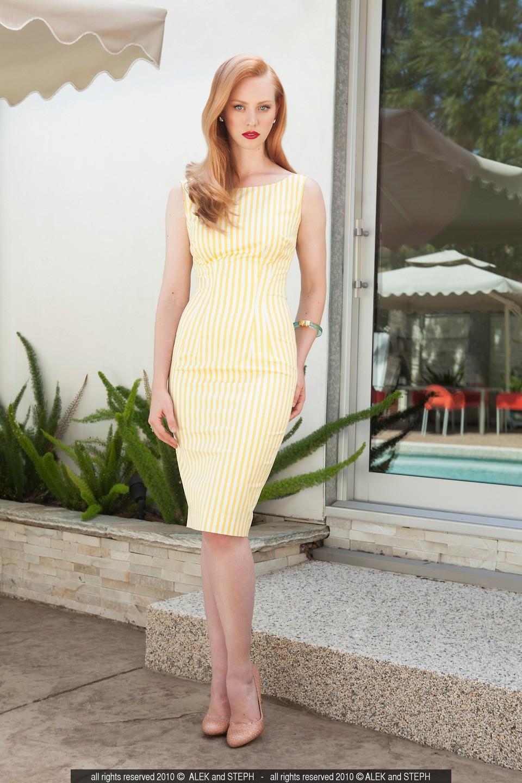 Debora Caprioglio desnuda - Fotos y Vídeos -