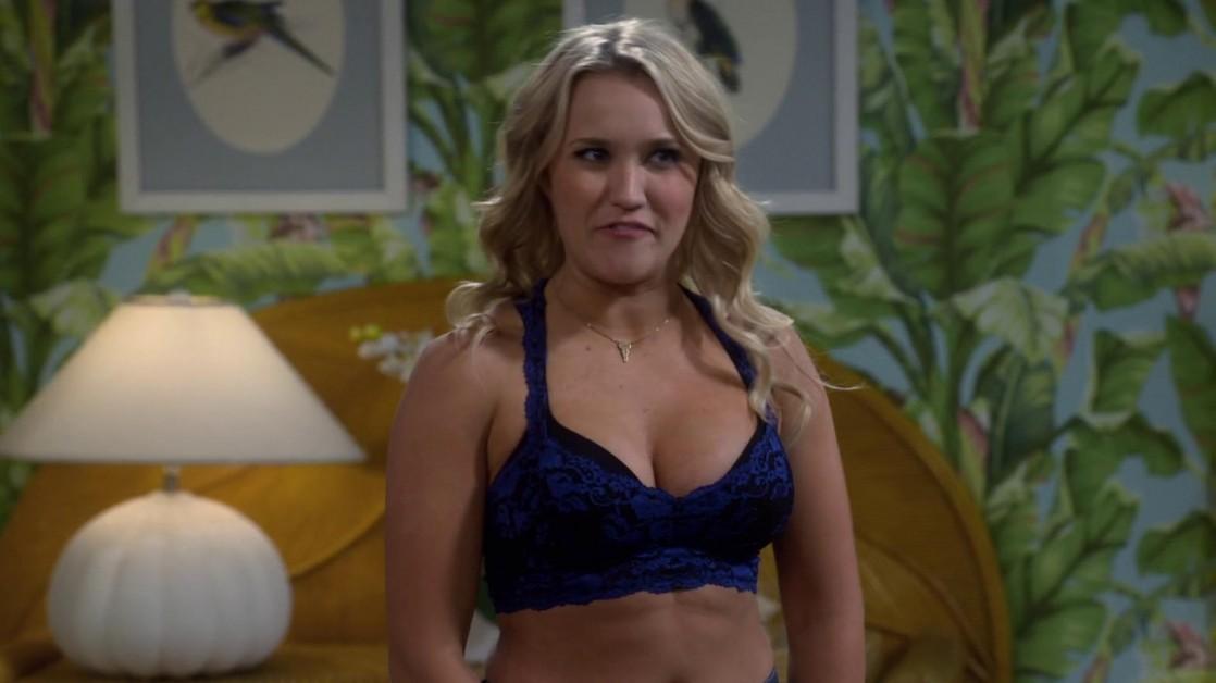 Emily osment fotos desnudas falsas