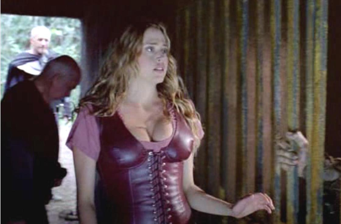 Estella Warren desnuda en Kangaroo Jack