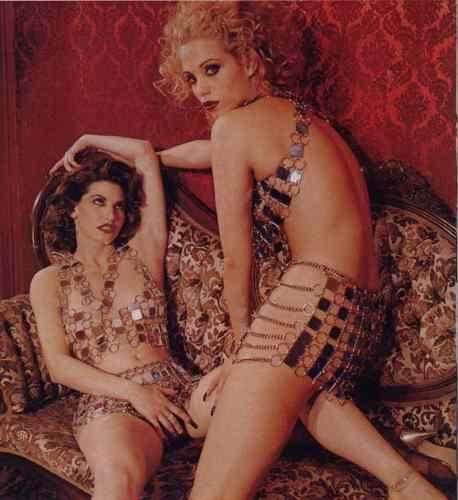 Gina Gershon desnuda Imgenes, vdeos y grabaciones