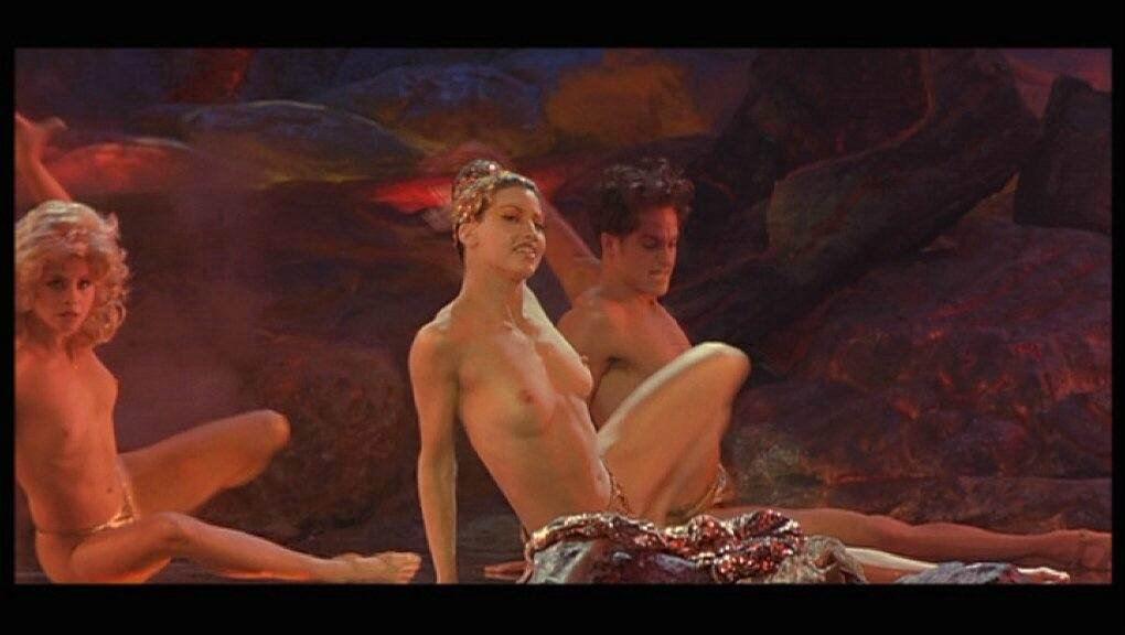 Gina Gershon desnuda - Página 9 fotos desnuda,