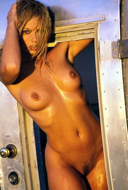 Jaime Winstone desnuda Imágenes, vídeos y