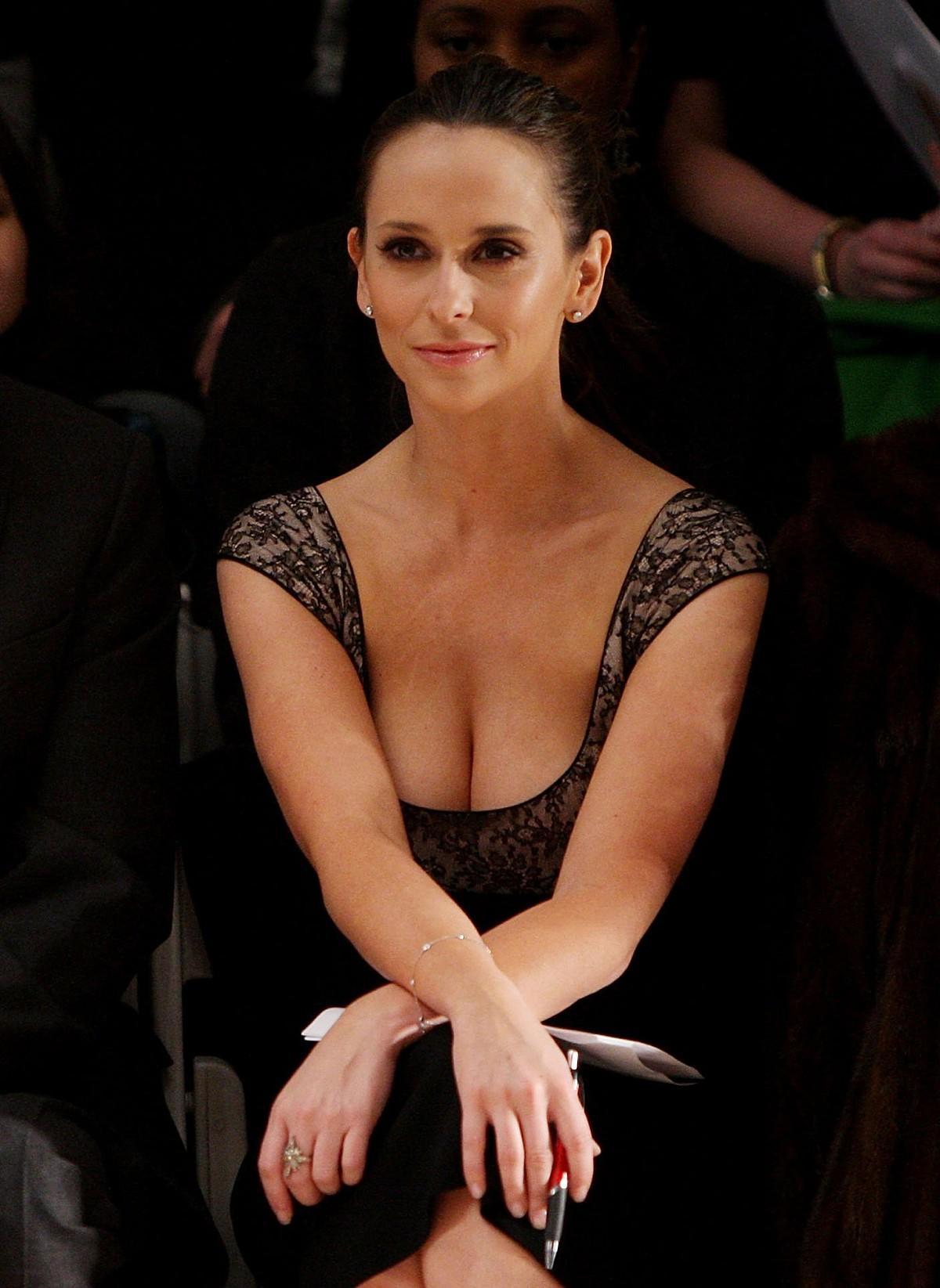 Jennifer Love Hewitt desnuda y en busca de nuevo