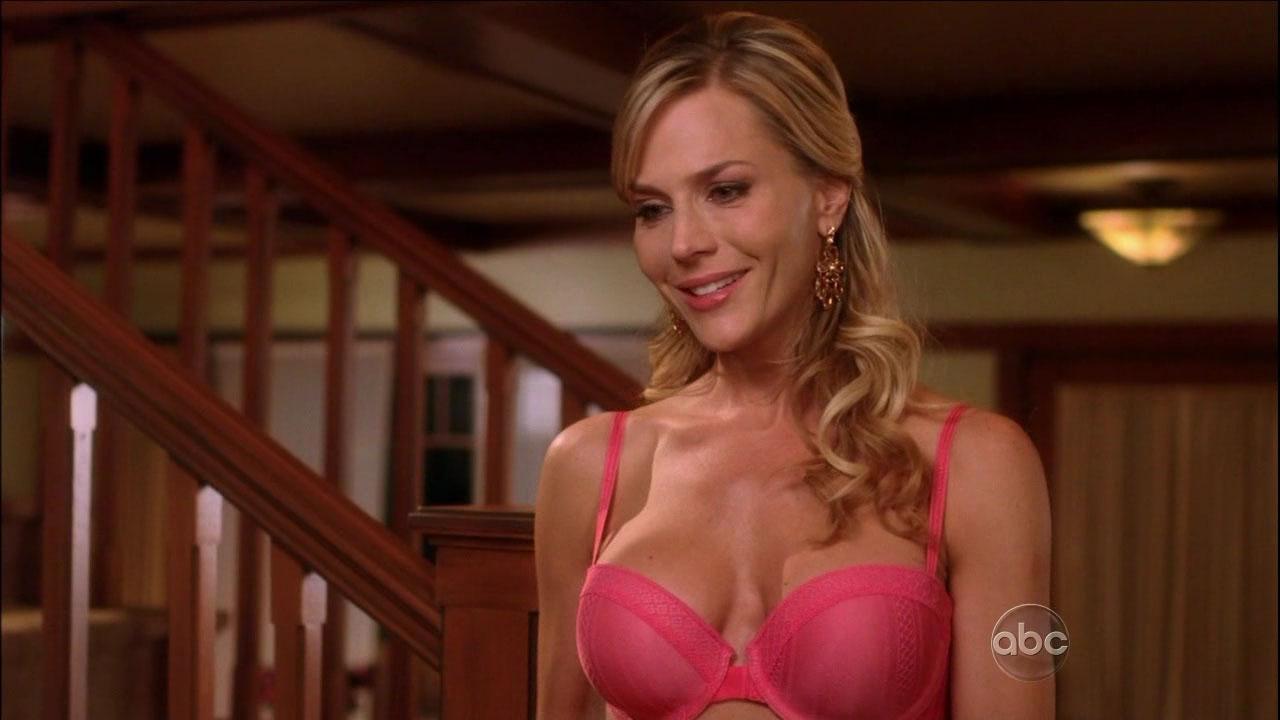 Julie benz foto desnuda