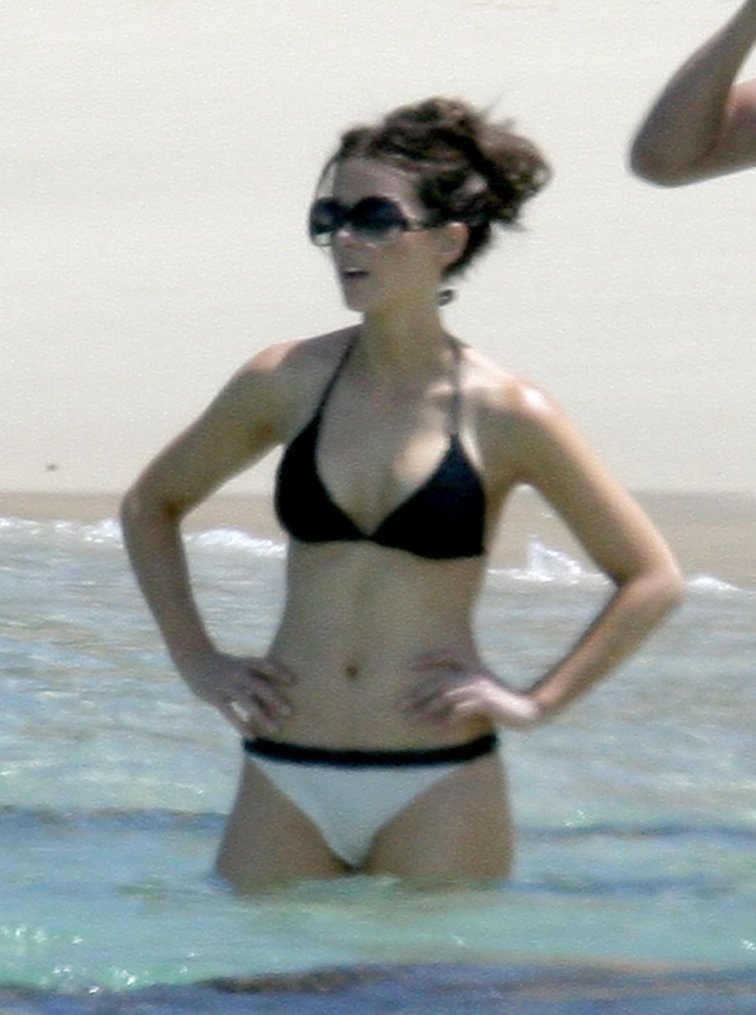 Kate Beckinsale luce su anatoma en playa de Mxico FOTOS