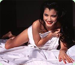 Kelly Hu desnuda - Fotos y Vdeos - ImperiodeFamosas