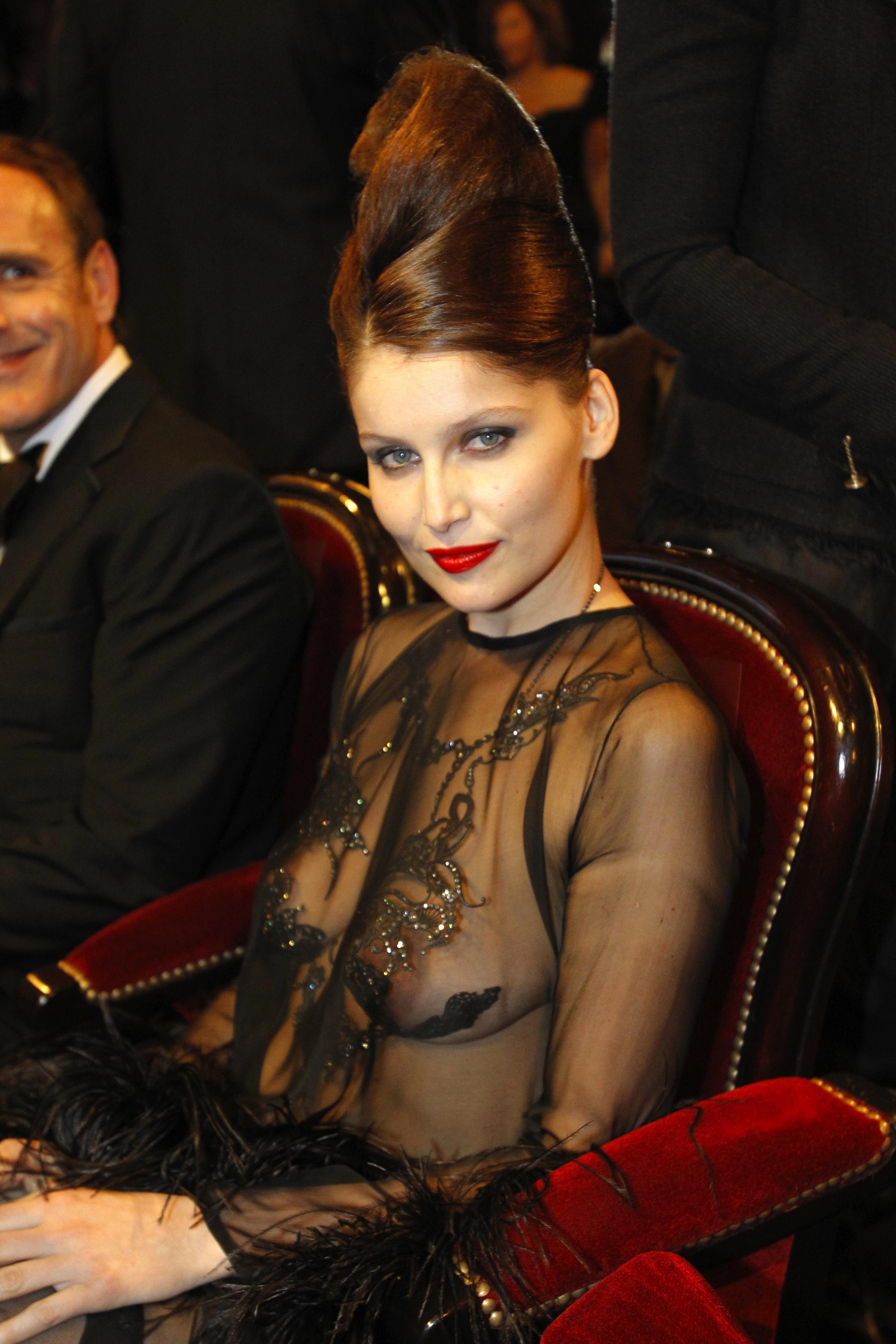 Русские знаменитости в прозрачной одежде 11 фотография