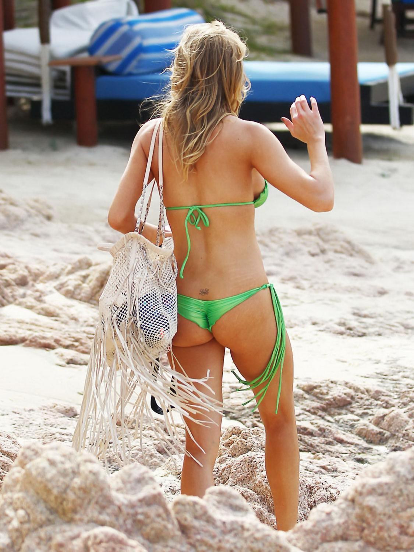 Leann barwick bikini pictures, boys and girls on the beach nudi