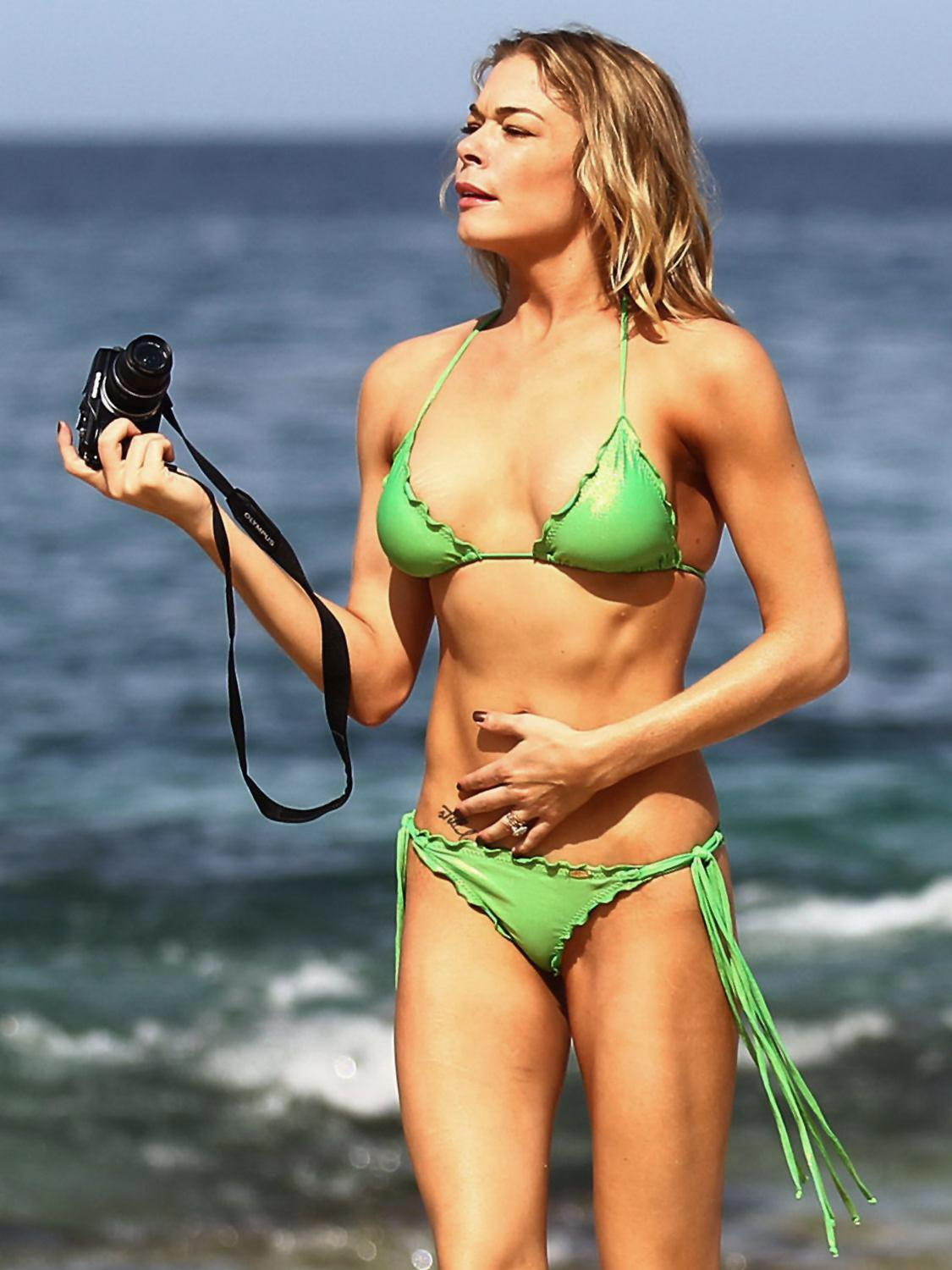 LeAnn Rimes nude, topless pictures,