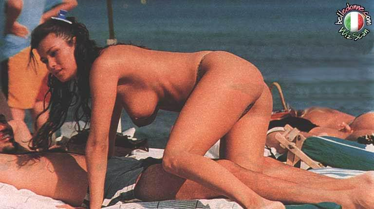Fotos De Manuela Arcuri Desnuda Fotos De Famosastk