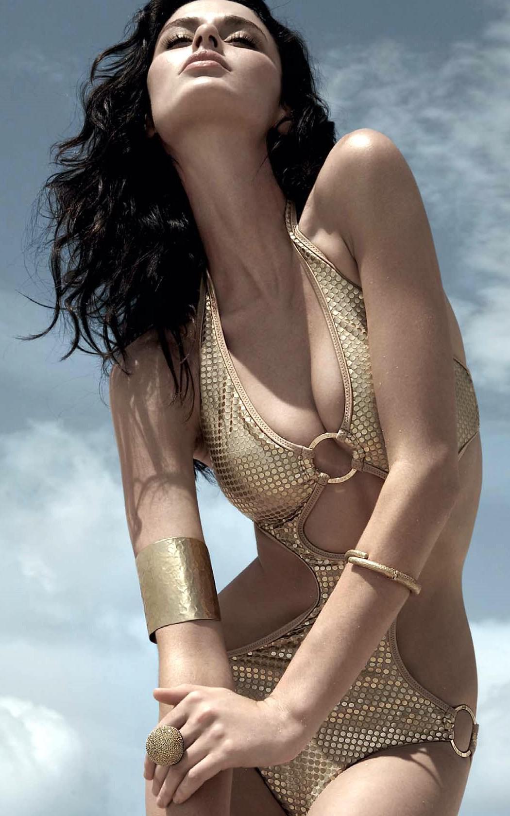 Les Stars Nues : Nicole Trunfio - 297 photos - 0 vidos