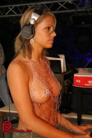 Nicky Hilton desnuda Imgenes, vdeos y grabaciones