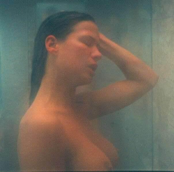 Rhona Mitra desnuda - Fotos y Vídeos -