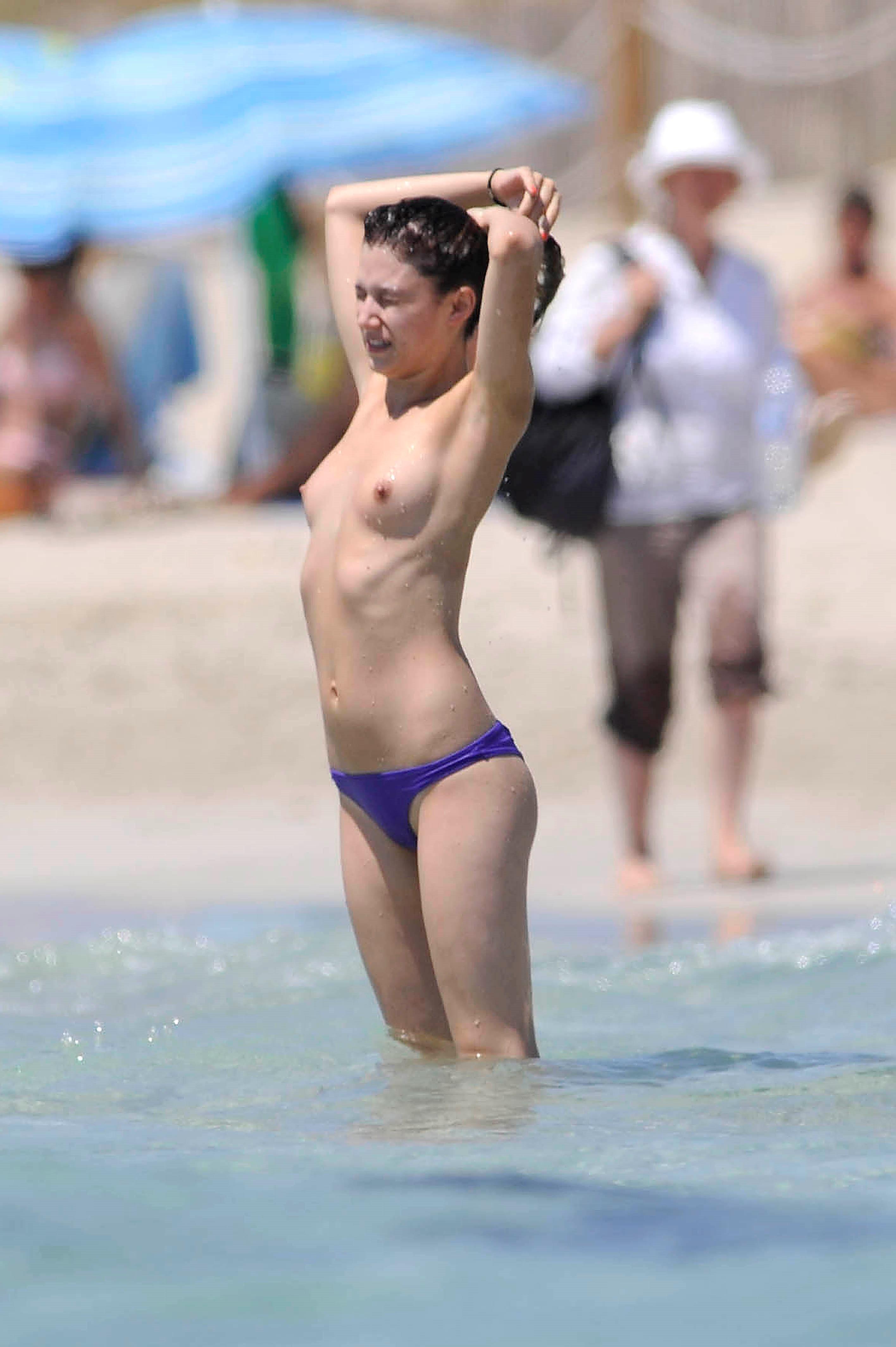 Úrsula corberó desnuda