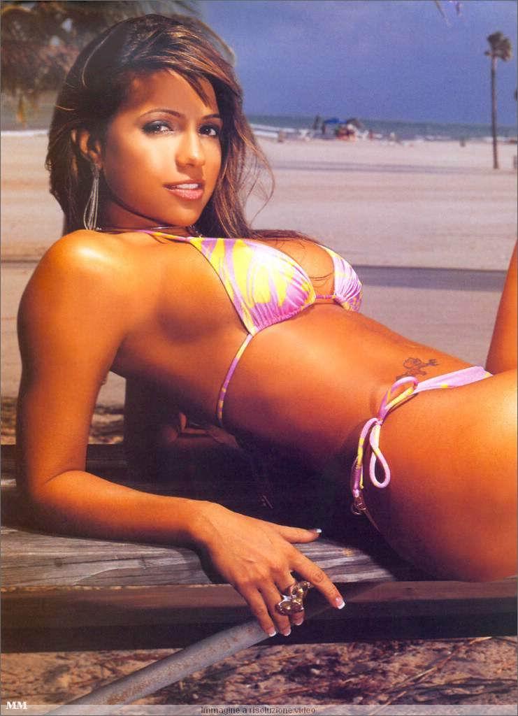 Vida Guerra posando desnuda para Playboy 2006 La