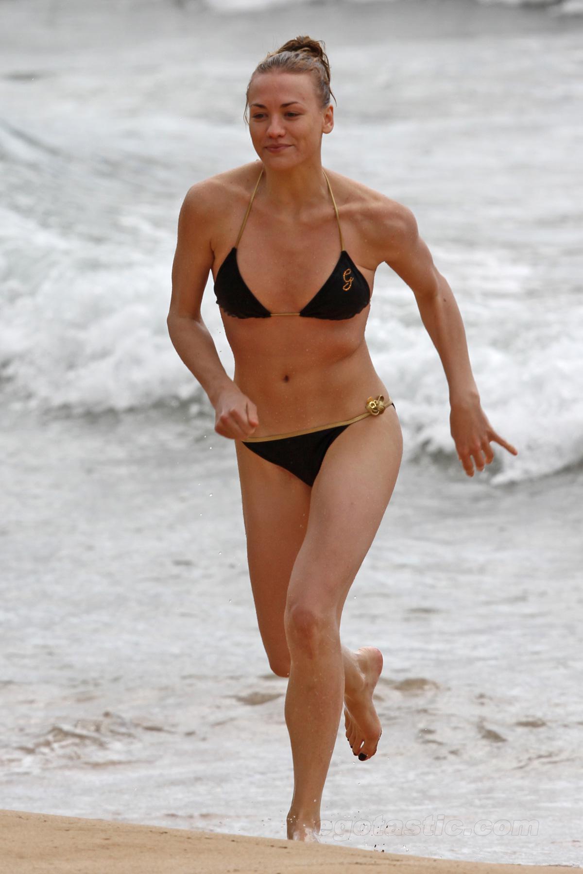 Yvonne strahovski desnuda desnudas fotos